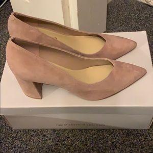 ✨NEW✨ Marc Fisher Light Pink Suede Block Heels 5.5